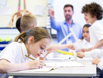 Transtorno do Déficit de Atenção e Hiperatividade na infância e a relação com prejuízos na vida adul