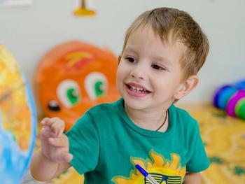 Diagnóstico precoce do autismo: primeiros sinais.