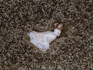 Extraordinary Real Wedding : Samantha and Mark's day - In fields of gold