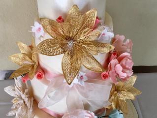 Extraordinary Supplier: Bakerella Wedding Cakes