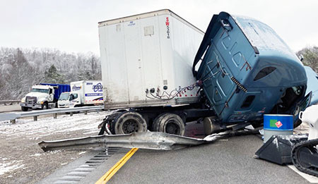 One person killed after tractor-trailer collides with pickup truck on I-75