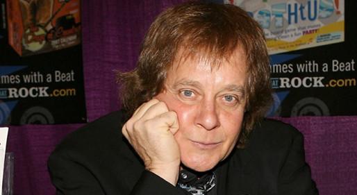 Singer Eddie Money dies at 70.