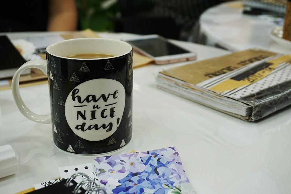 אי אפשר להתחיל לעבוד בלי כוס קפה