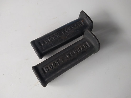 Second hand - pair of grips