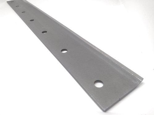 Lipped bottom blade