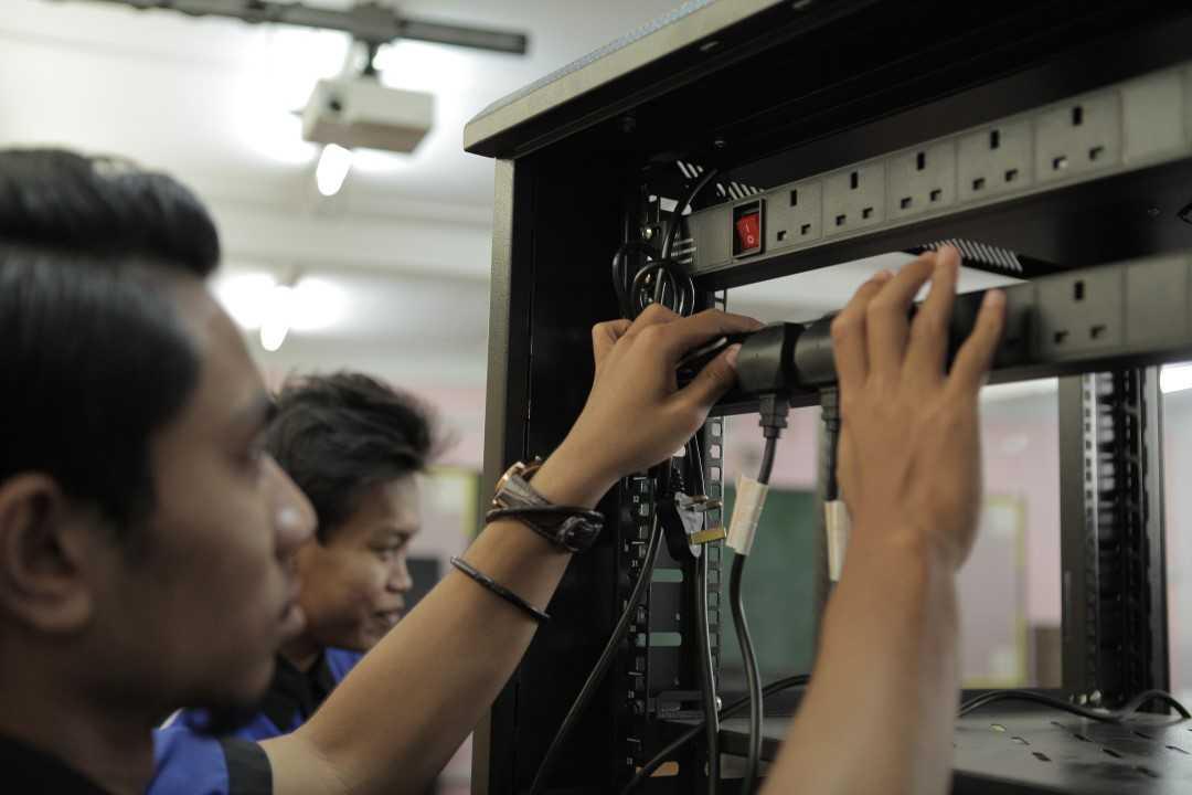 kolej uniti pelajar network lab