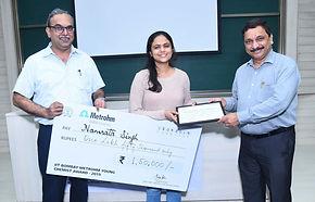 Namrata Singh receives the IIT Bombay Metrohm Young Chemist Award