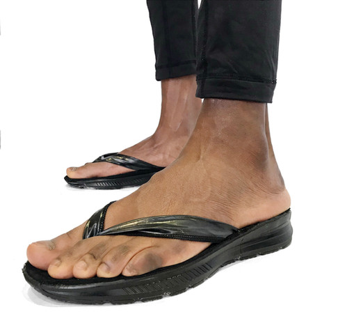 RECYCLED PLASTIC SANDALS