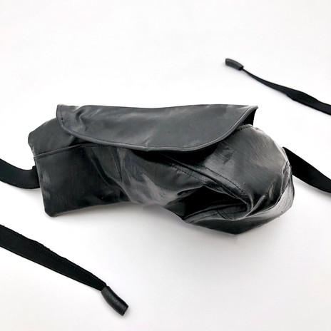 'LINE' POUCH