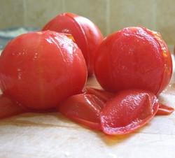 עגבנייה קלופה