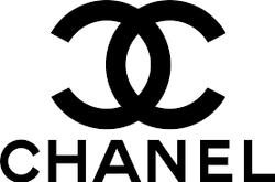 """Gabrielle """"Coco"""" Chanel בעקבות הבשמי"""