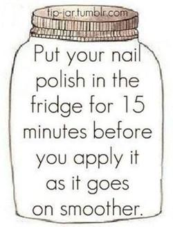 שימו את הלק שלכן במקרר לפני המריחה