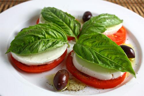 reteta-salata-caprese-3[1].jpg