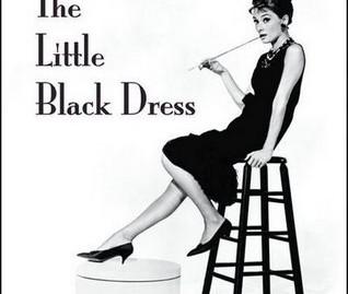 איזה גרבי ניילון נלבש עם שמלה שחורה?