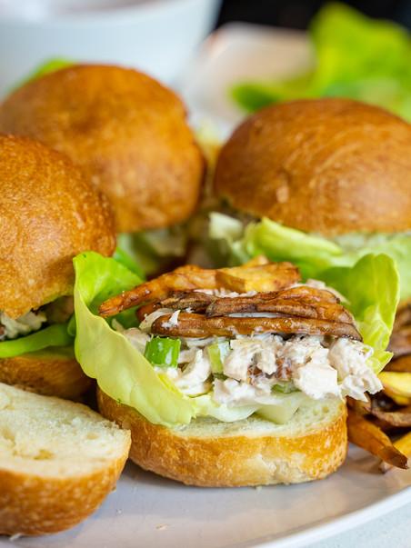 Sandwich de Pollo con Mayonesa