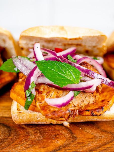 Pan con Chicharron
