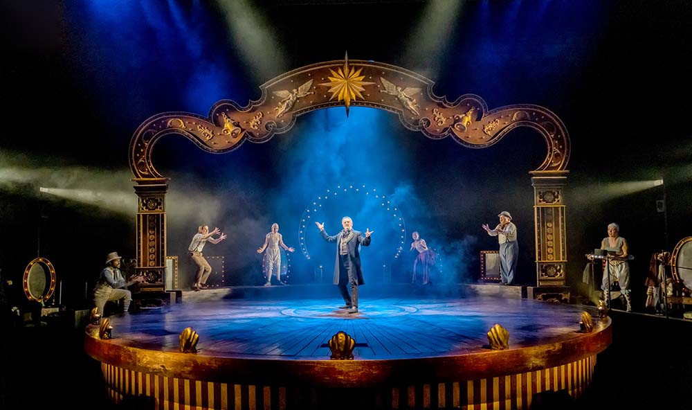 Now streaming: A Christmas Carol at Leeds Playhouse. Pic: Anthony Robling