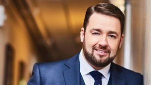 Jason Manford to rabbit on for The Lowry