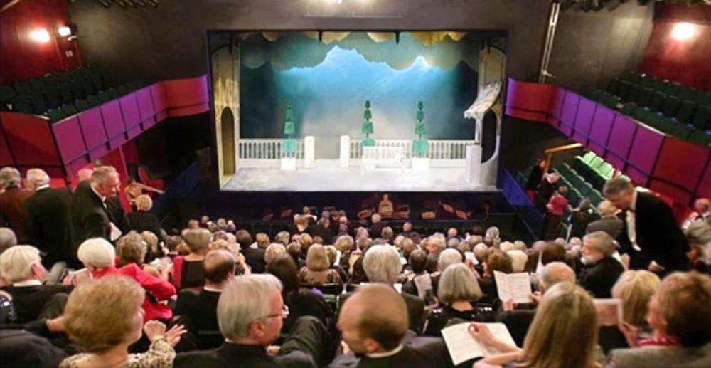 Clonter Opera auditorium