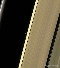 SaturnEarthMoon_Cassini_960.jpg