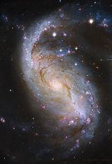 NGC1672_HubbleNobre_960.jpg