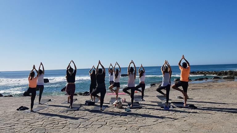Aula Yoga na Baia de Cascais