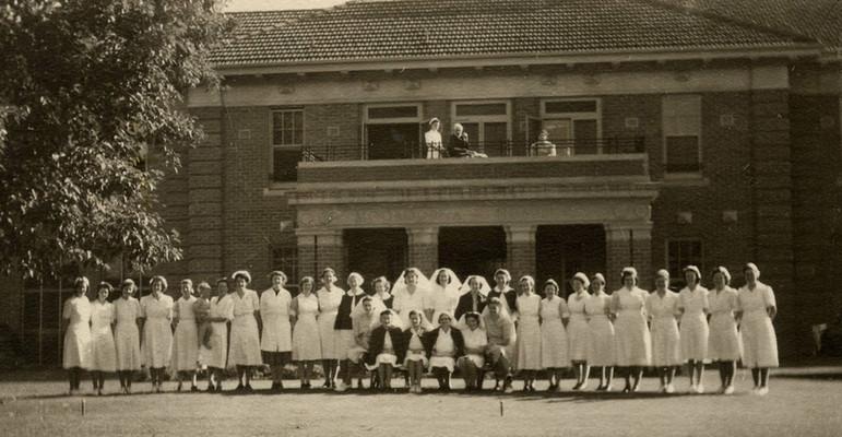 Mooroopna_Hospital_Staff_1950s.jpg