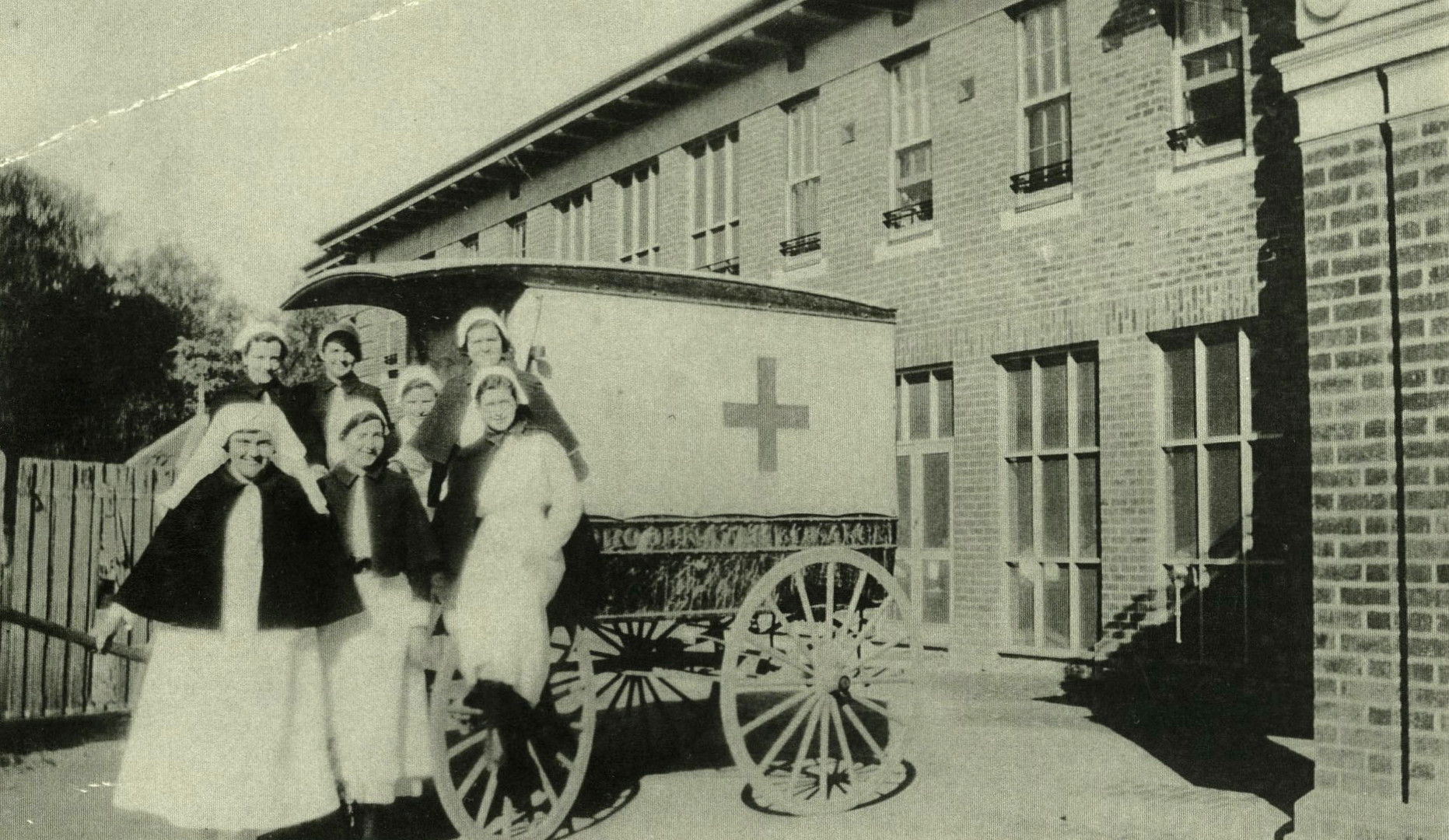 Mooroopna_Hospital_Horse_Drawn_Ambulance
