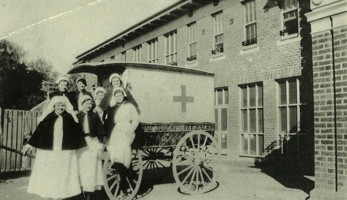 Mooroopna_Hospital_Horse_Drawn_Ambulance