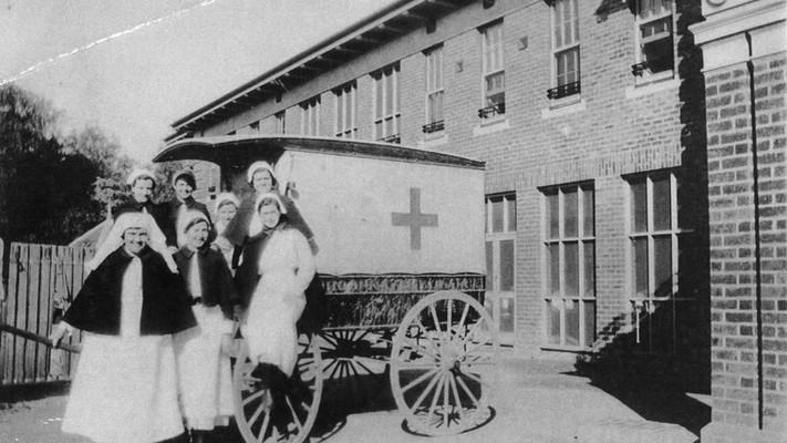 Horse_Drawn_Ambulance_1903's.jpg