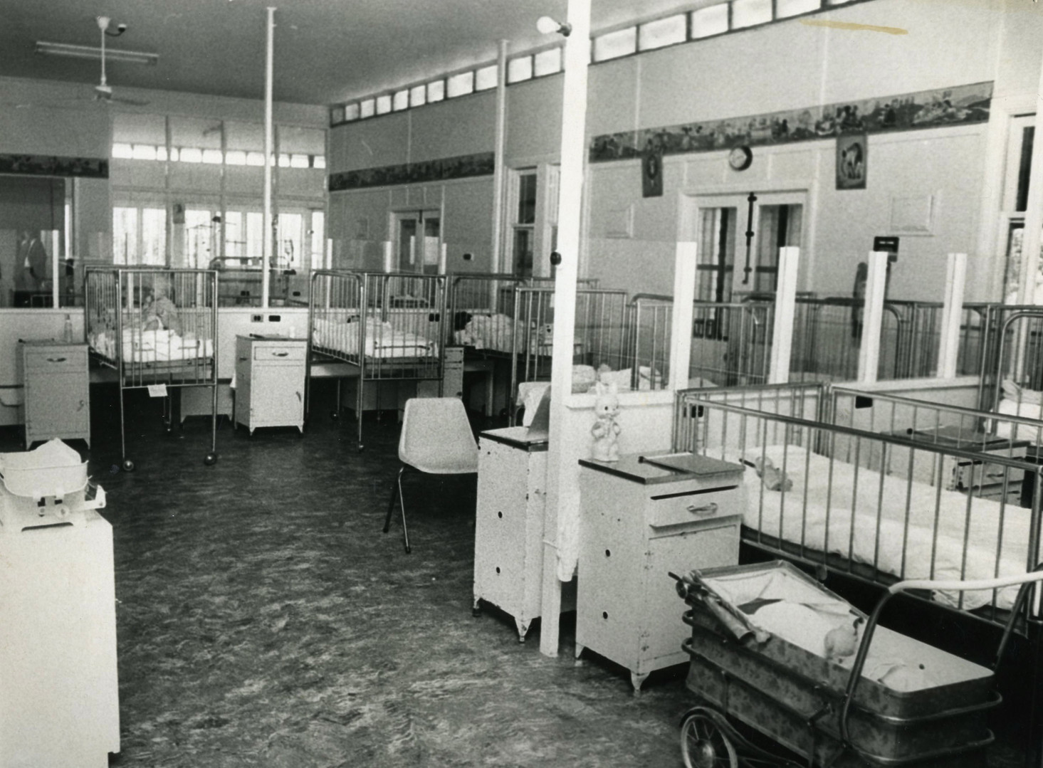 Mooroopna_Hospital_Children's_Ward_1976.