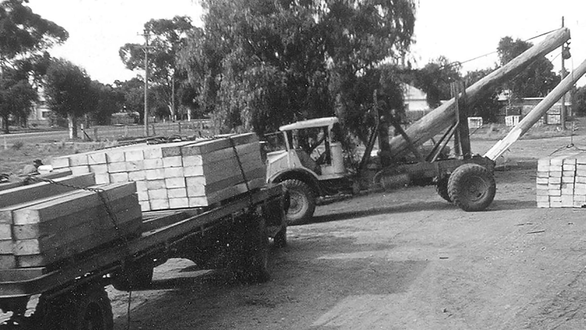 truck_loading.jpg