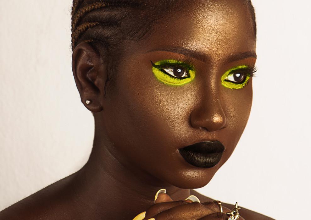 edit - yellow nails pexels-ololade-masud