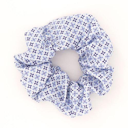 Chouchou motifs géométriques British bleu pâle