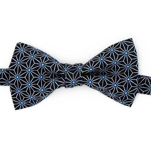 Noeud papillon motifs géométriques marine