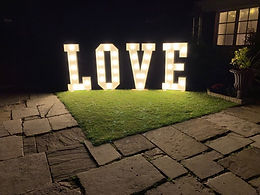 Hire-giant-led-love-letters-london-.jpg