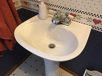 old sink.JPG