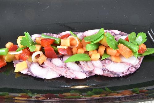 Octopus Carpaccio/ Flugpapaya- Salat/ Koriander/ Asia- Dressing