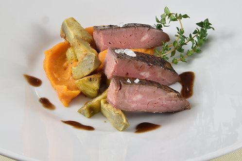 Flank Steak/Rotweinsoße/ Artischocken/ Süßkartoffelpüree