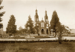 Plaza_de_Armas,_Castro,_década_1940
