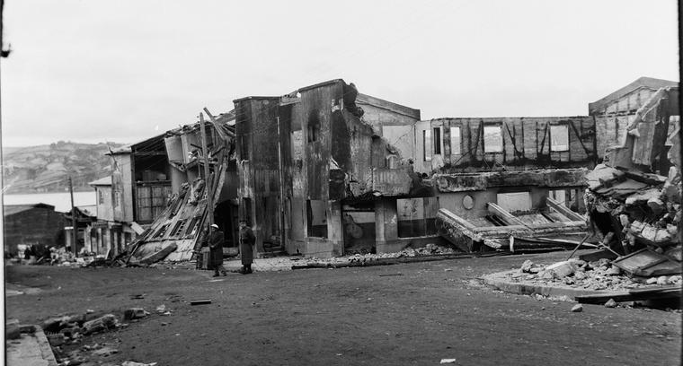 9.Calle Blanco, esquina Thompson. La violencia del desastre.