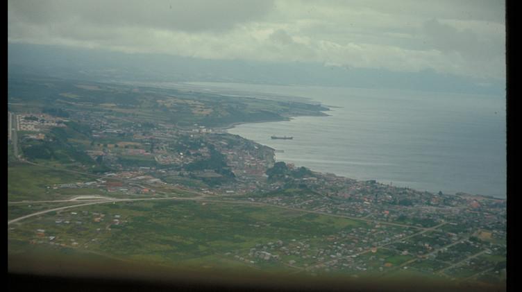 Vista área de Puerto Montt, enero 1965.