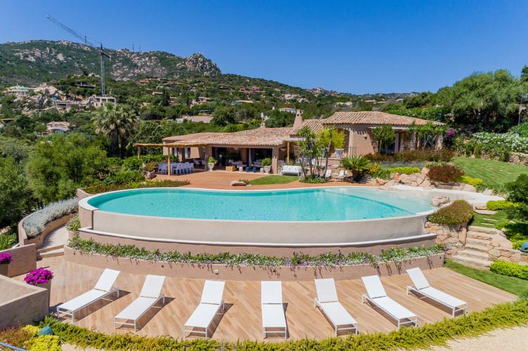 Felix 16 PAX Villa Pantoggia Hill Sardeg