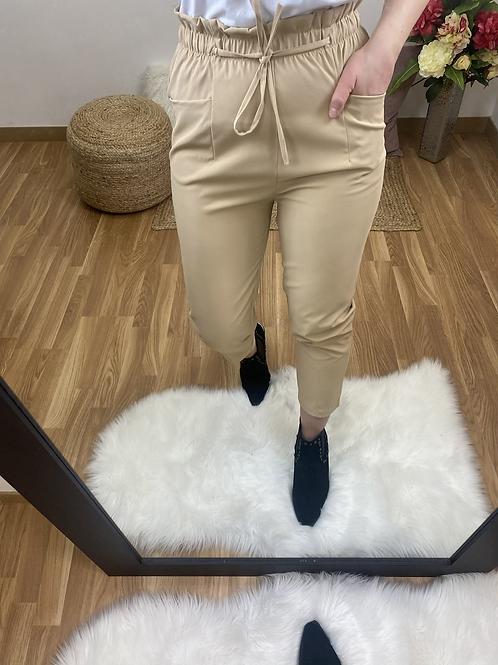 Pantalón Mercedes crema