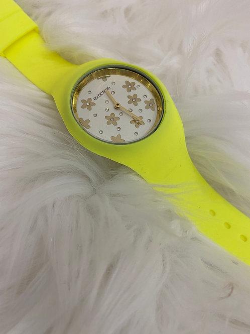 Reloj margaritas amarillo