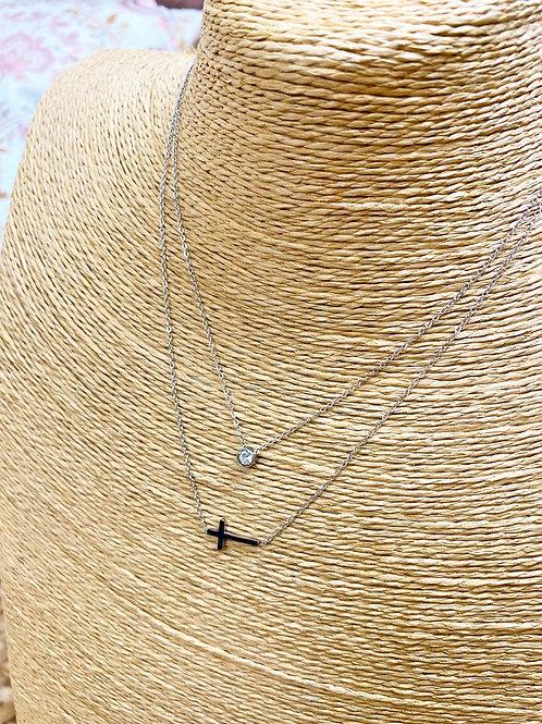 Cadena plateada cruz y diamante