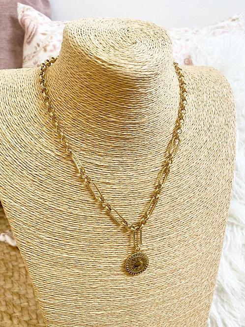 Cadena dorada colgante moneda