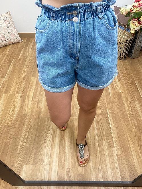 Short cintura engomada