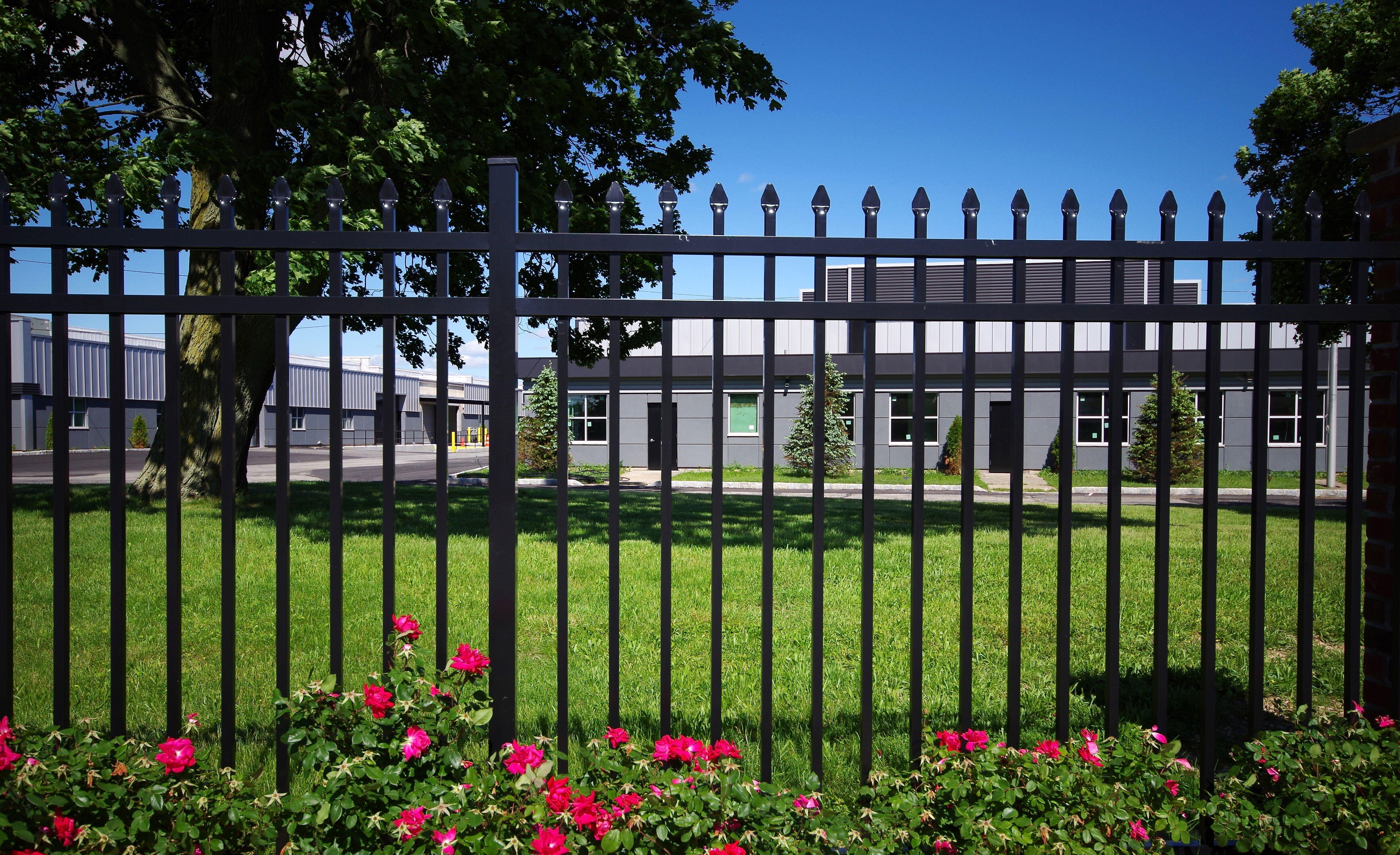 Aluminum Fence: Bonneville