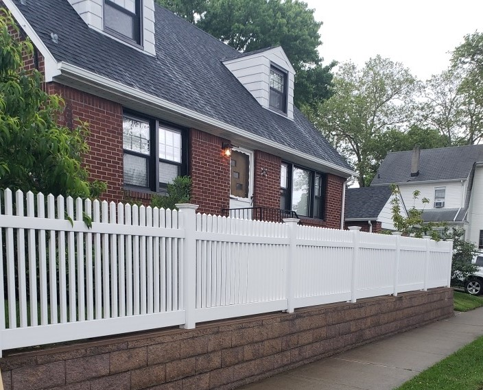 Picket Fence: Lyndhurst I